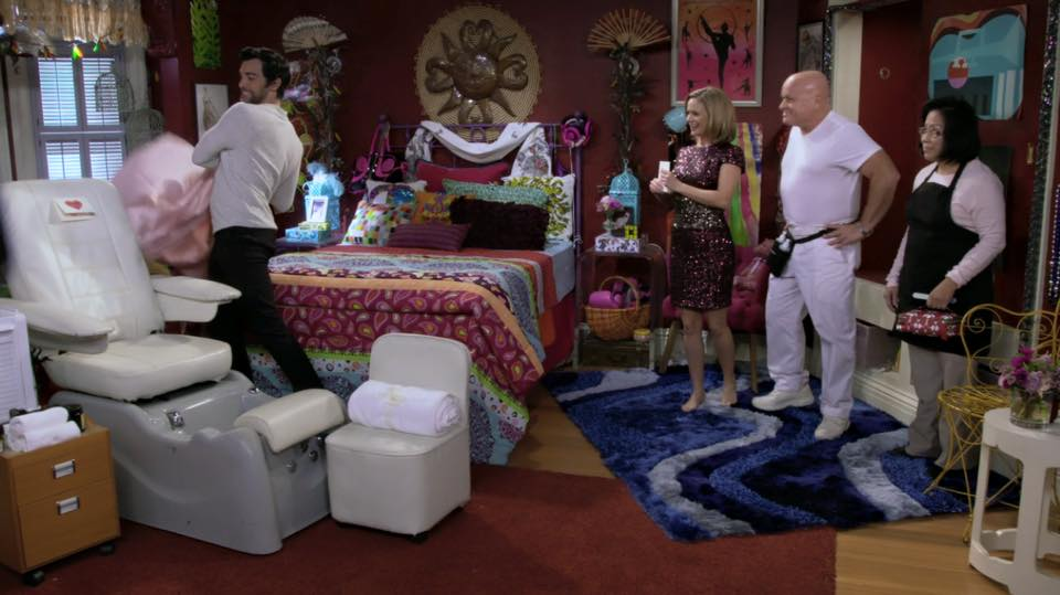 I have the same comforter as they have on Fuller House.