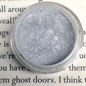 Ghost Door: Metalic Silver White Mineral Eye Shadow from Printcess