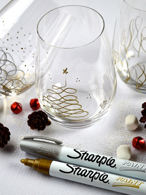 Sharpie Paint Pens: Christmas Glasses
