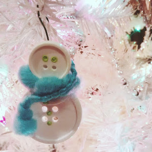 Simple Button Snowman Ornament