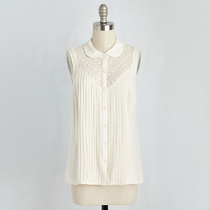 Winsome in the Willows Sleeveless Top in Ivory