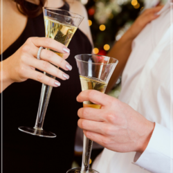 4 Ways to Add a Touch of Romance to Your Christmas Festivities